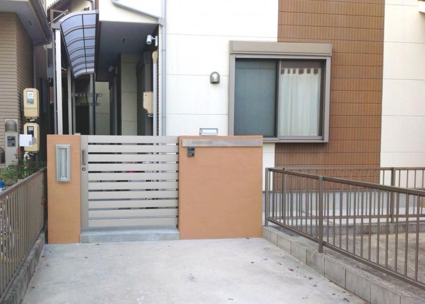 スライド門扉で、開閉もスムーズ。|問周り、目隠しフェンス工事 春日井市 K様邸